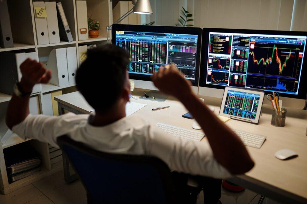 Forex dla poczatkujących traderów, analiza wykresów giełdowych.